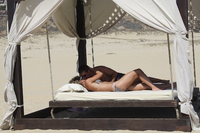 Experience a Honeymoon in Cabo like a celebrity