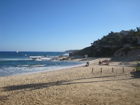 Playa Acapulquito - Beach in Cabo