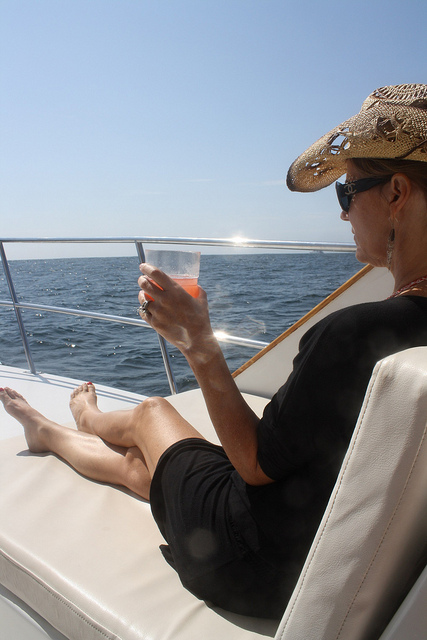Rent a yacht in Cabo San Lucas
